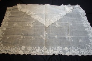 CIRCA 1700'S RARE DRESDEN APRON W/MATCHING SHAWL